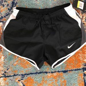 Nike running shorts/ shorts Nike para correr